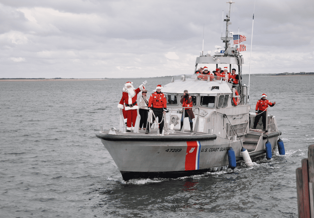Santa Arrives on Nantucket for Christmas Stroll