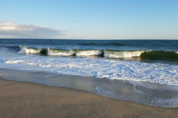 Ocean Waves on Nantucket